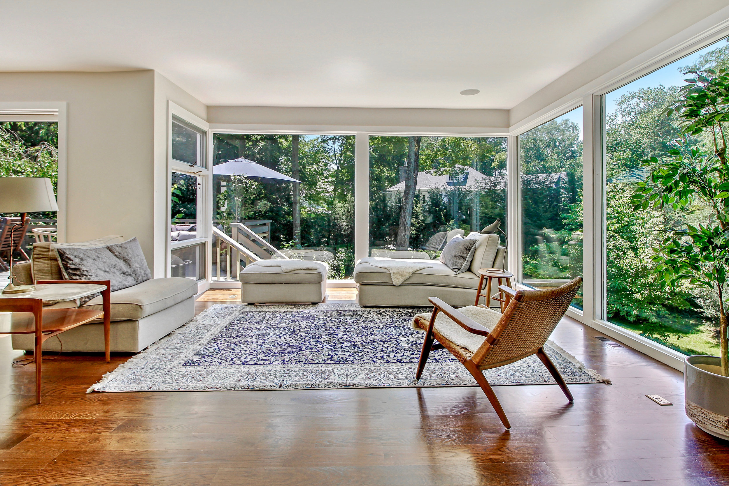 SOLD  6 Horseguard Lane Scarsdale, NY. Represented the Seller in their 5th Successful Transaction with Angela Retelny.  (2018)