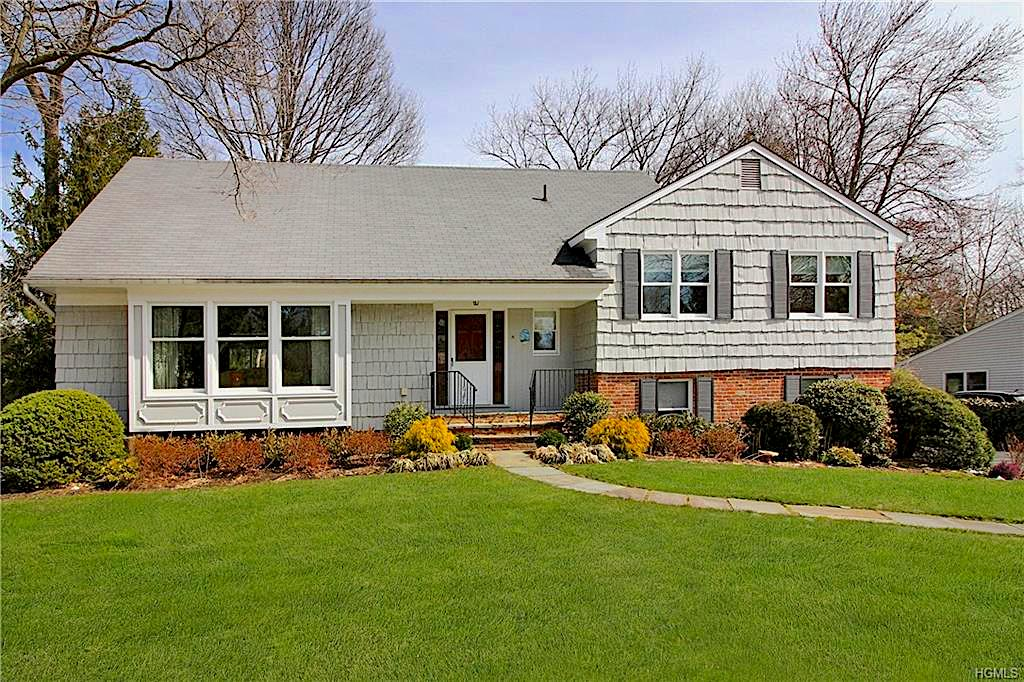 SOLD  5 Barnwall Lane Mamaroneck, NY Represented the Buyer  (2018)