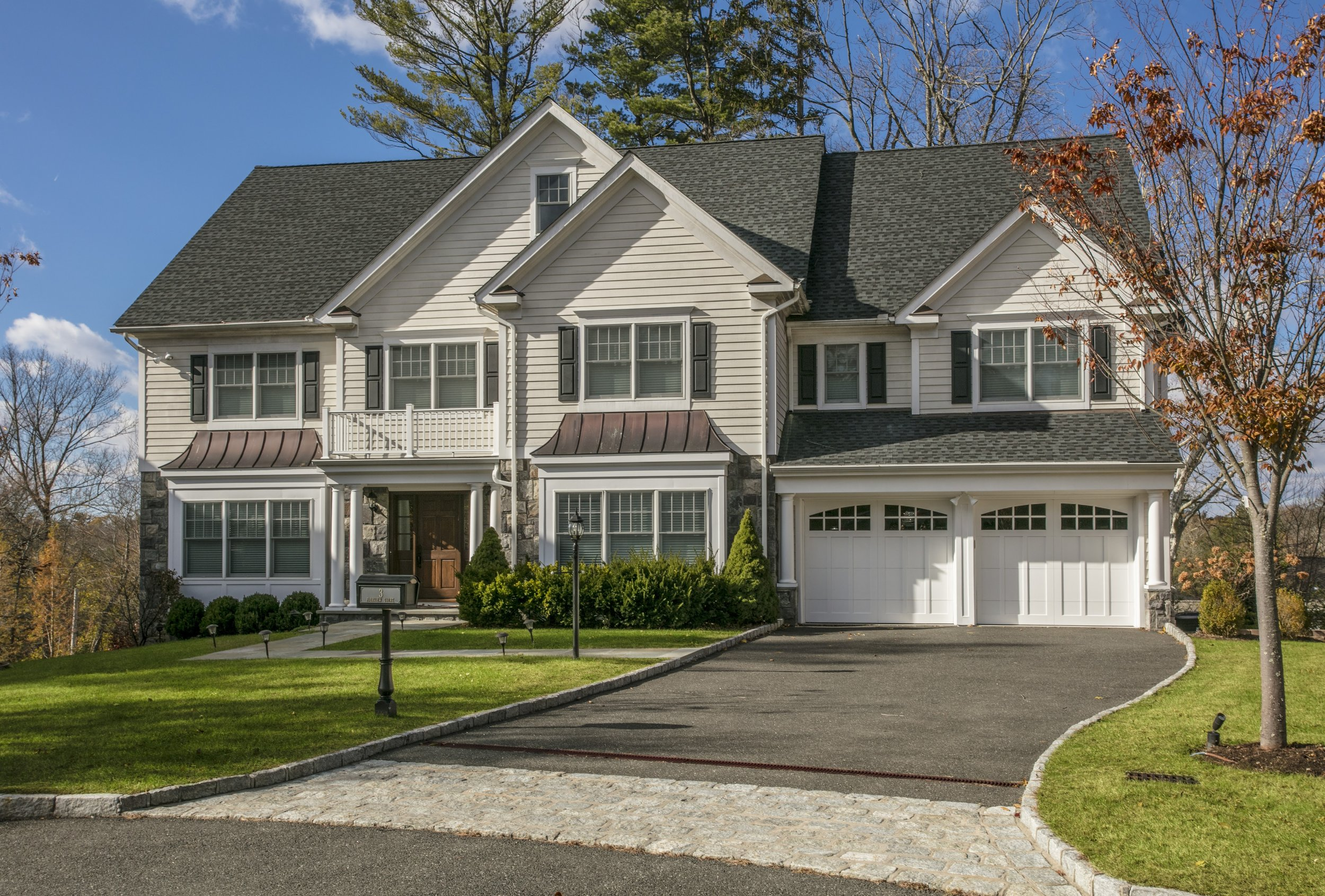 SOLD  3 Fairview Ct Scarsdale, NY. Represented the Seller as the Listing Agent  (2018)