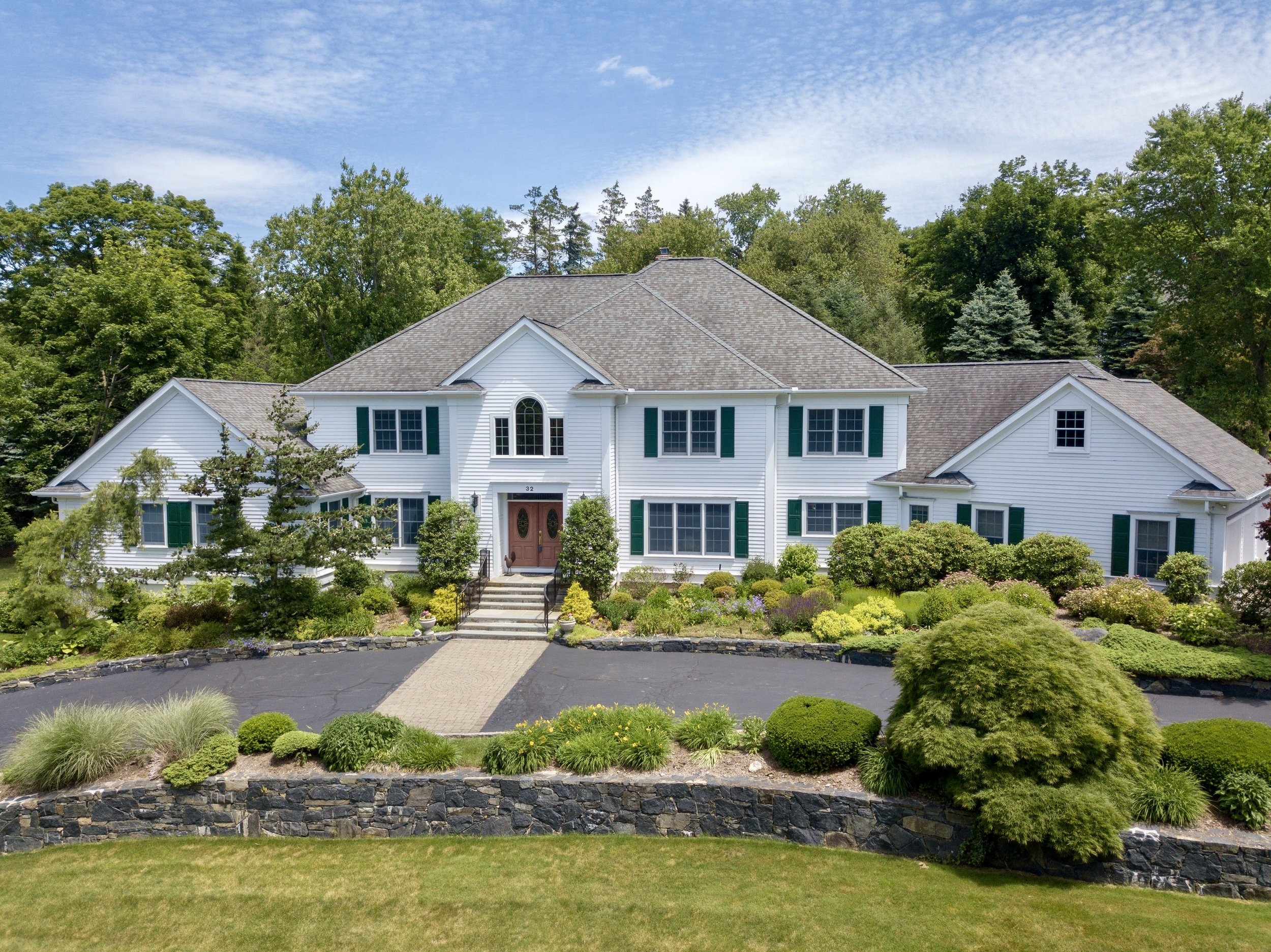 SOLD  32 Cooper Road Scarsdale, NY. Represented the Seller as a Co-Listing Agent  (2019)