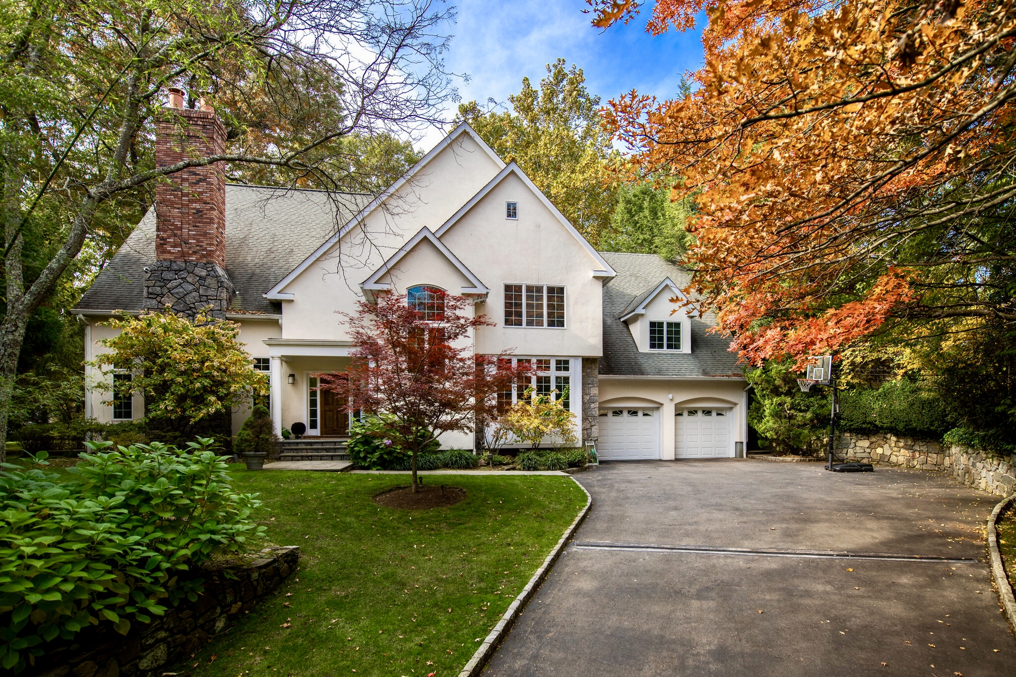 SOLD  27 Oak Lane Scarsdale, NY. Represented the Seller as the Listing Agent  (2019)