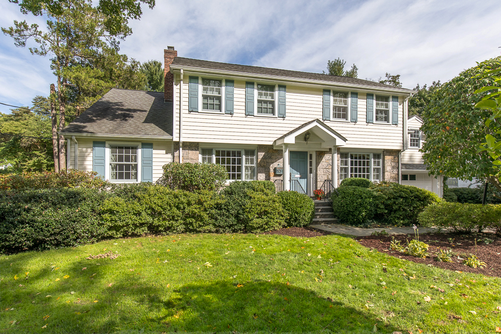 SOLD  9 Kempster Road Edgemont New York Represented the Seller as the Listing Agent  (2019)