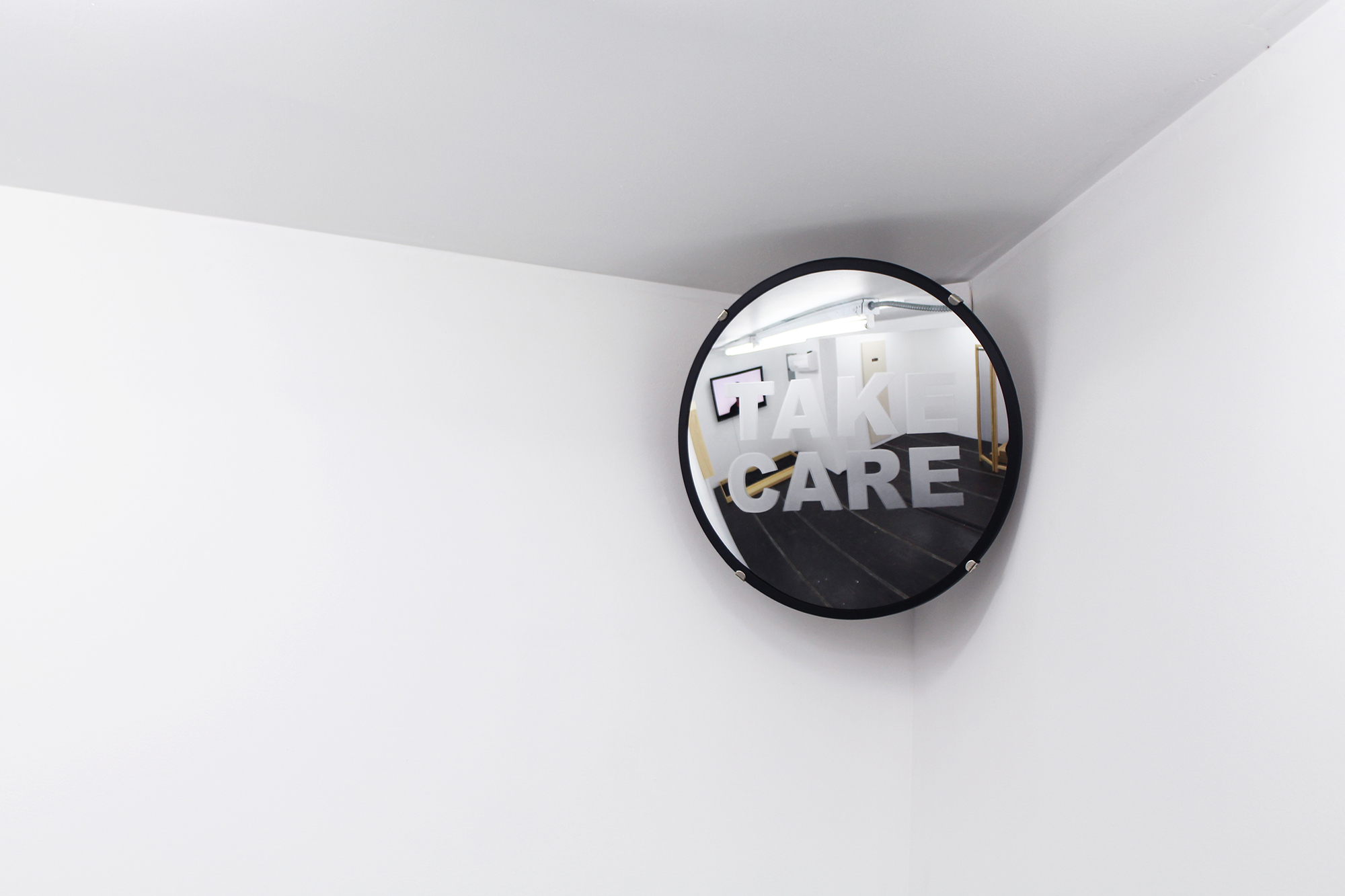 Convex mirror,semi-transparent spray paint