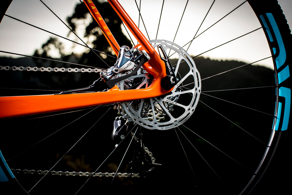 Maxles and disc brakes