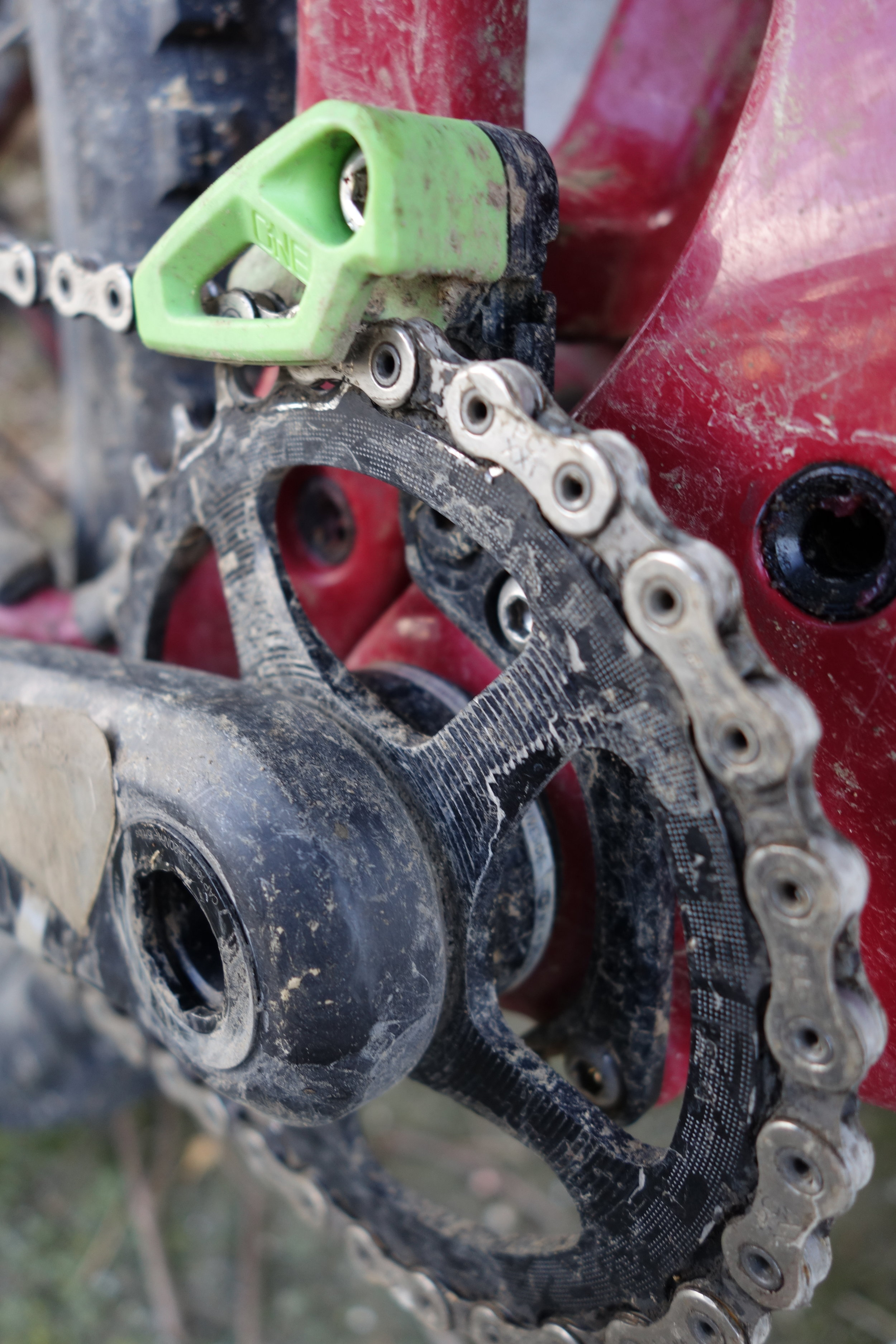 Multiple adjustment points to suit any chainring.Boost, oval , you name it.