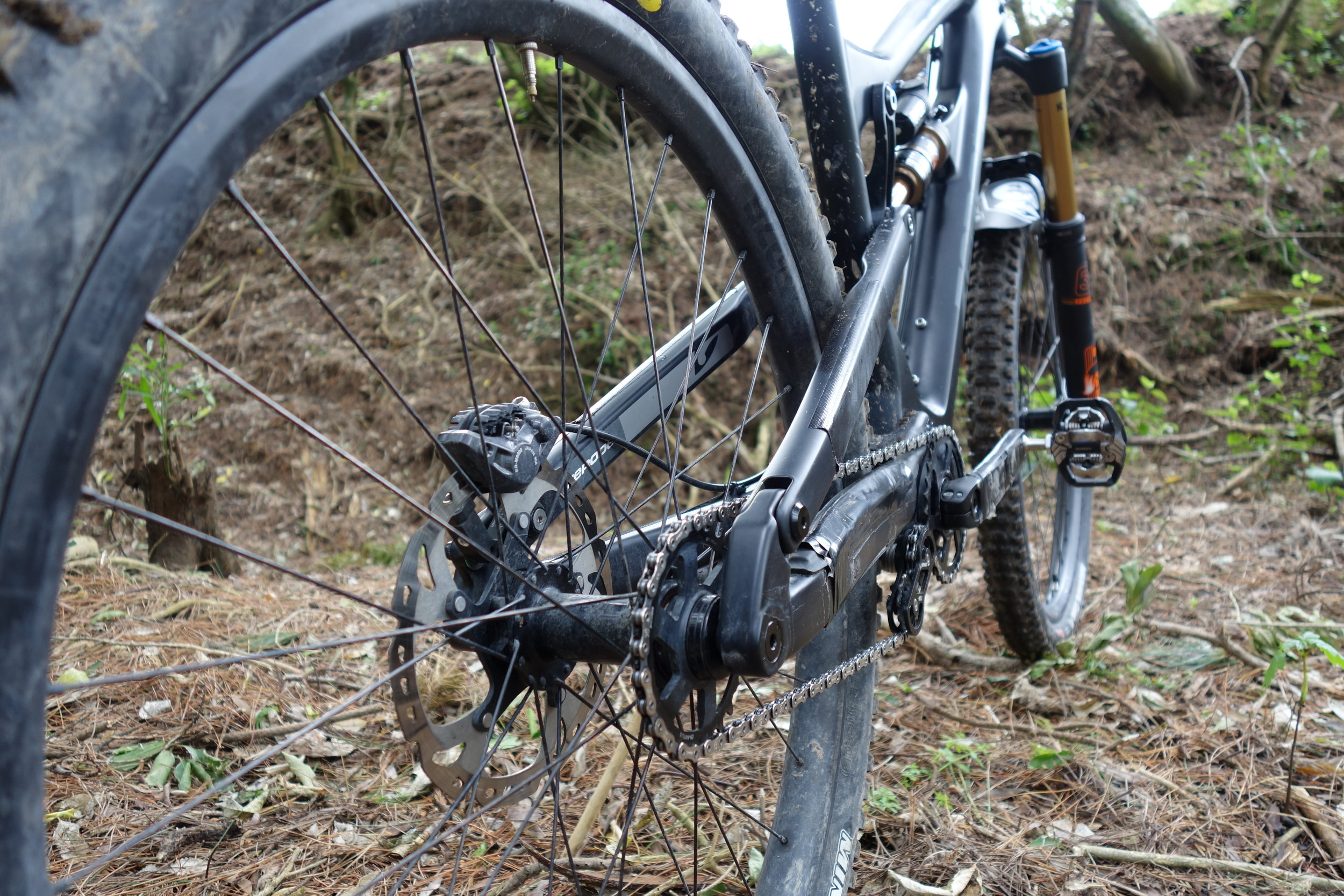 There's some things missing here. I was totally surprised at the change in a bikes behaviour with this light rear end and constant chain vs pivot and cog location.