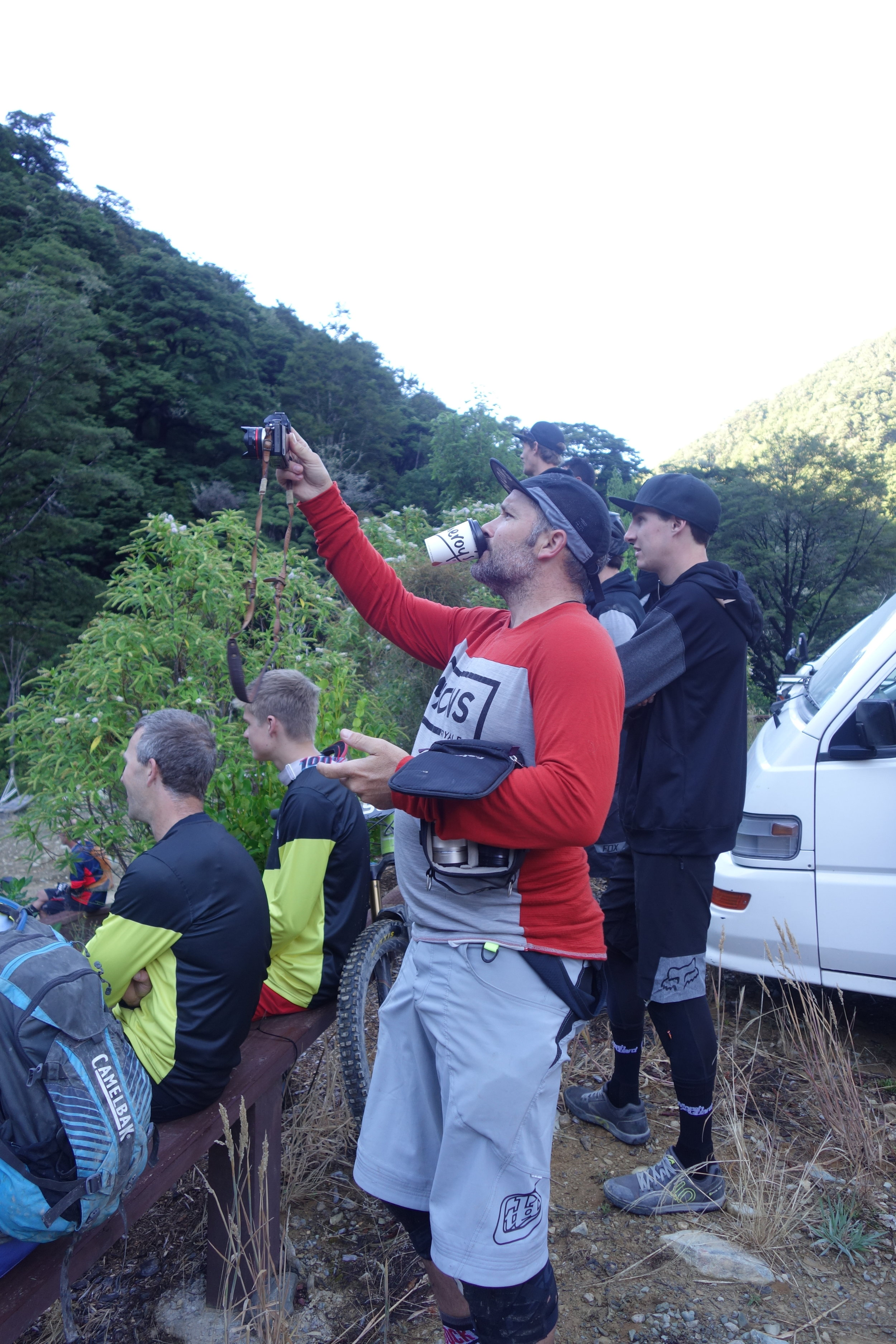 Race breifings and infamous photographers. Sven Martin is a multi tasking guru.