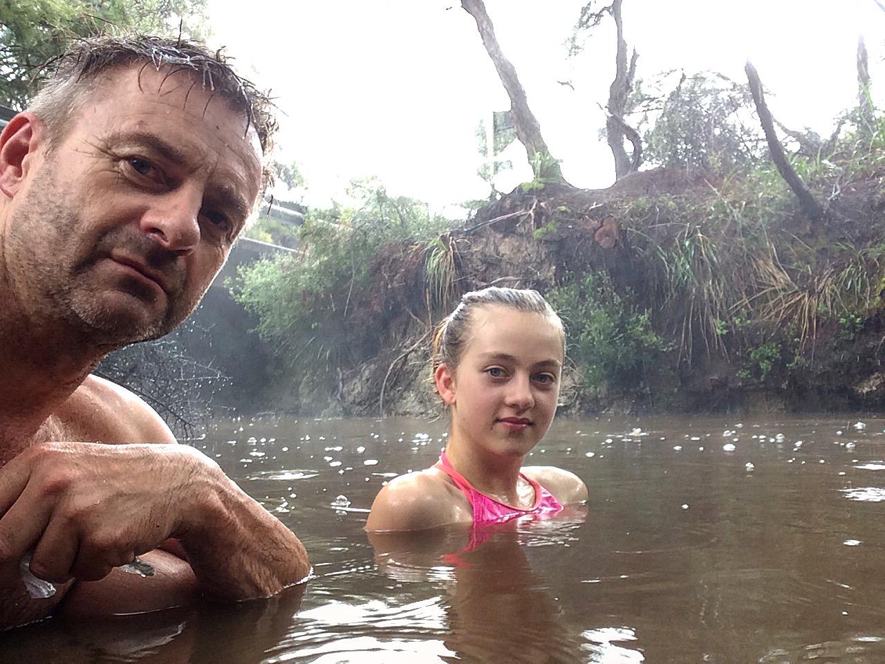 Wai-o-tapu hot and cold stream.