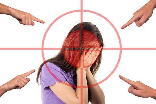 bullying-3096216__340.jpg