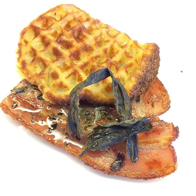 #snopesyk #snack #vaffel #bacon #honning #butare #vingetang #alariaesculenta #tangmad #nordisktang #seaweed #tangtilmat #sjådegikkjeattende #destinasjonvest #bulandet #seaweedfromnorway