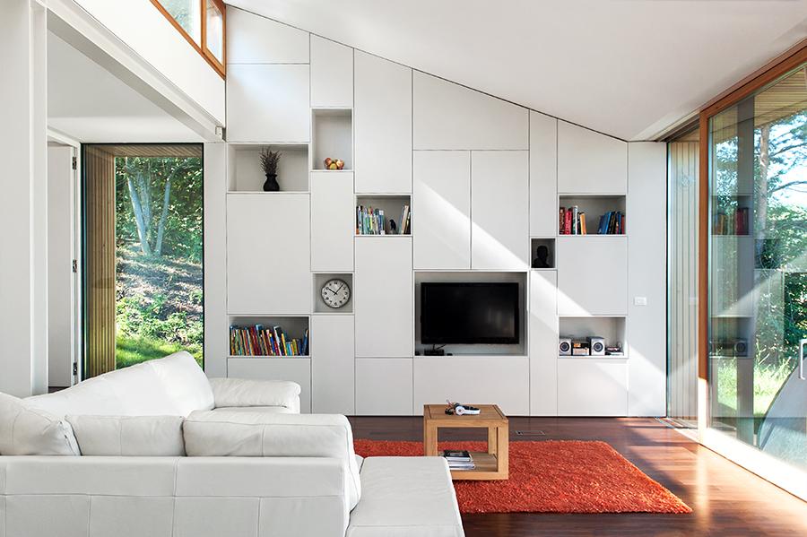 arch-Kombinat_foto -Ilovar&Tancic_H MJ_dnevna soba-living room_tv omara_knjizna omara-bookcase_06.jpg