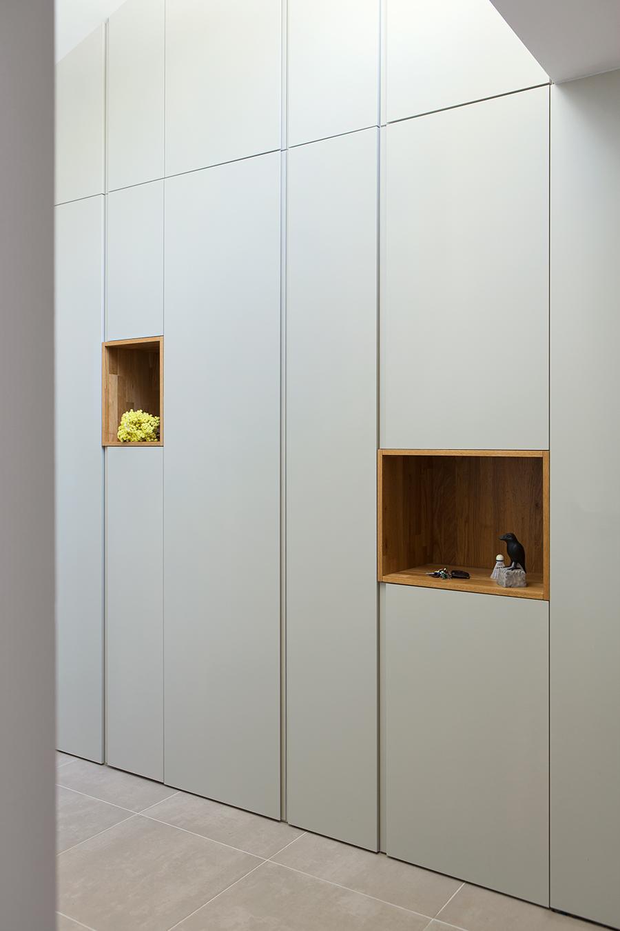 arch-Kombinat_foto -Ilovar&Tancic_H MJ_omara vhod-wardrobe entrance_niša-niche_09