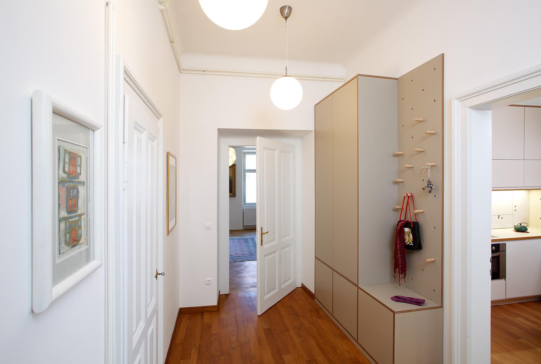 interior-Kombinat_foto-Matevž Paternoster_AP R_vhod-entrance_01.jpg