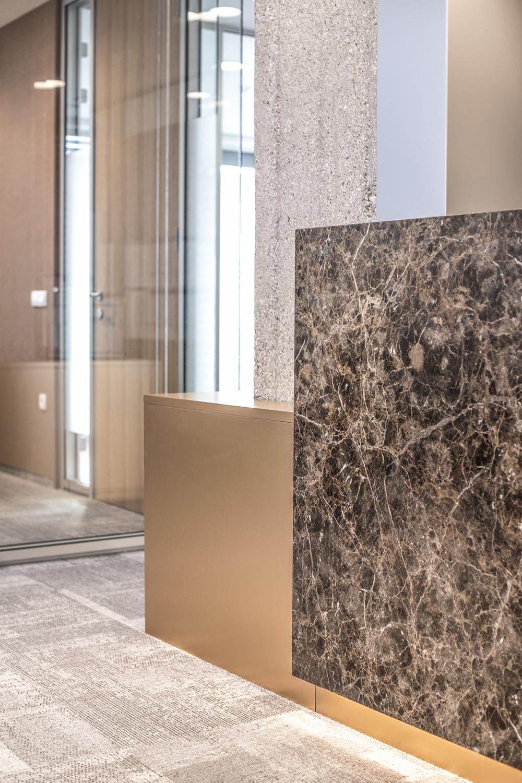 interior-Tina Rugelj_foto-Klemen Razinger_OF K_sprejemni pult detajl-reception desk detail_10.jpg
