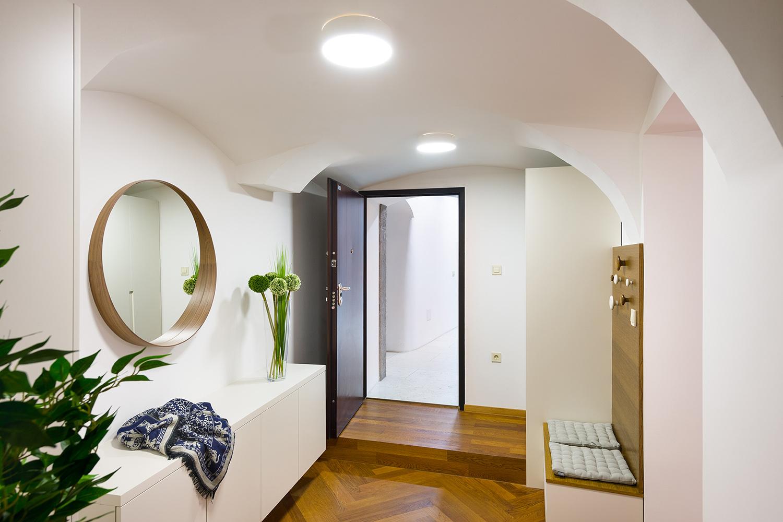 interior-Tina Rugelj_foto-Janez Marolt_AP house K_vhod-entrance_03.jpg