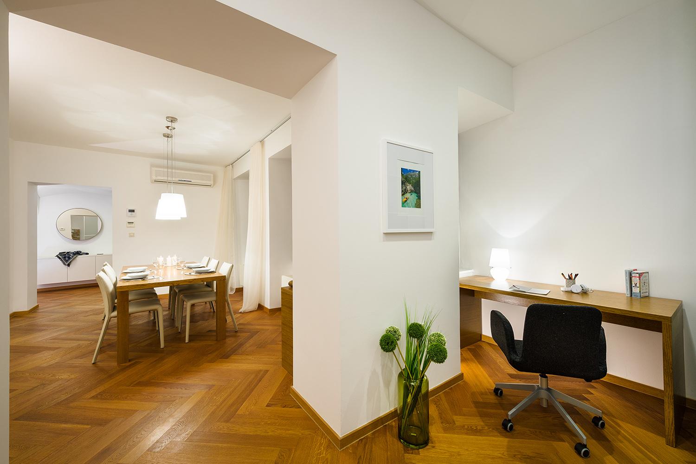 interior-Tina Rugelj_foto-Janez Marolt_AP house K_jedilnica-dining room_pisarniški kot-home office_07.jpg