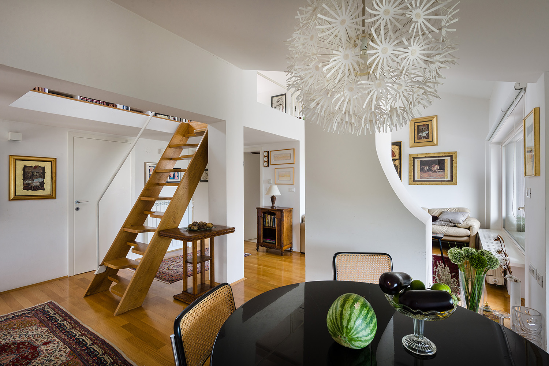 interior-Tina Rugelj_foto-Janez Marolt_H Z_jedilnica-dining room_stopnisce-staircase_02a.jpg