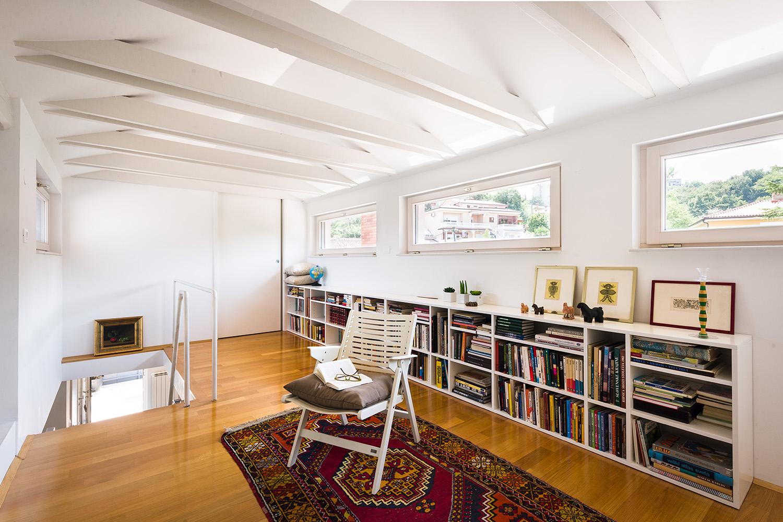interior-Tina Rugelj_foto-Janez Marolt_H Z_galerija-gallery space_zgornje nadstropje-upper floor_07.jpg