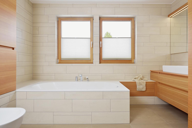 interior-Tina Rugelj_foto-Miran Kambič_H T_kopalnica-bathroom_kad-bathtub_10.JPG