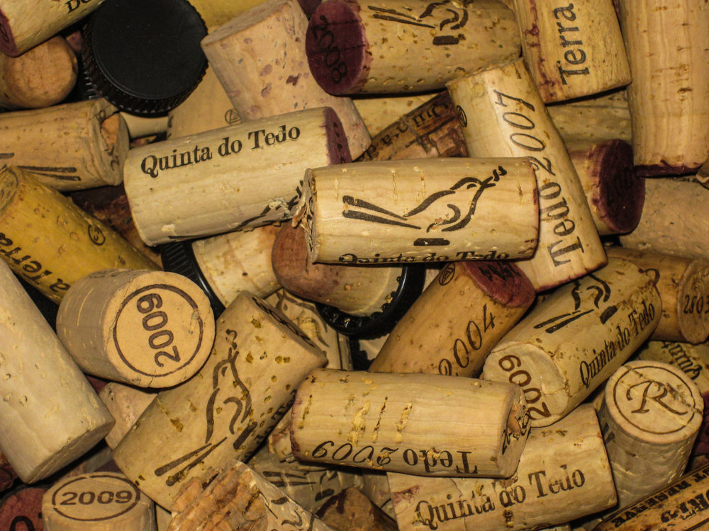 How many Quinta do Tedo cork wine stoppers are popped a year?