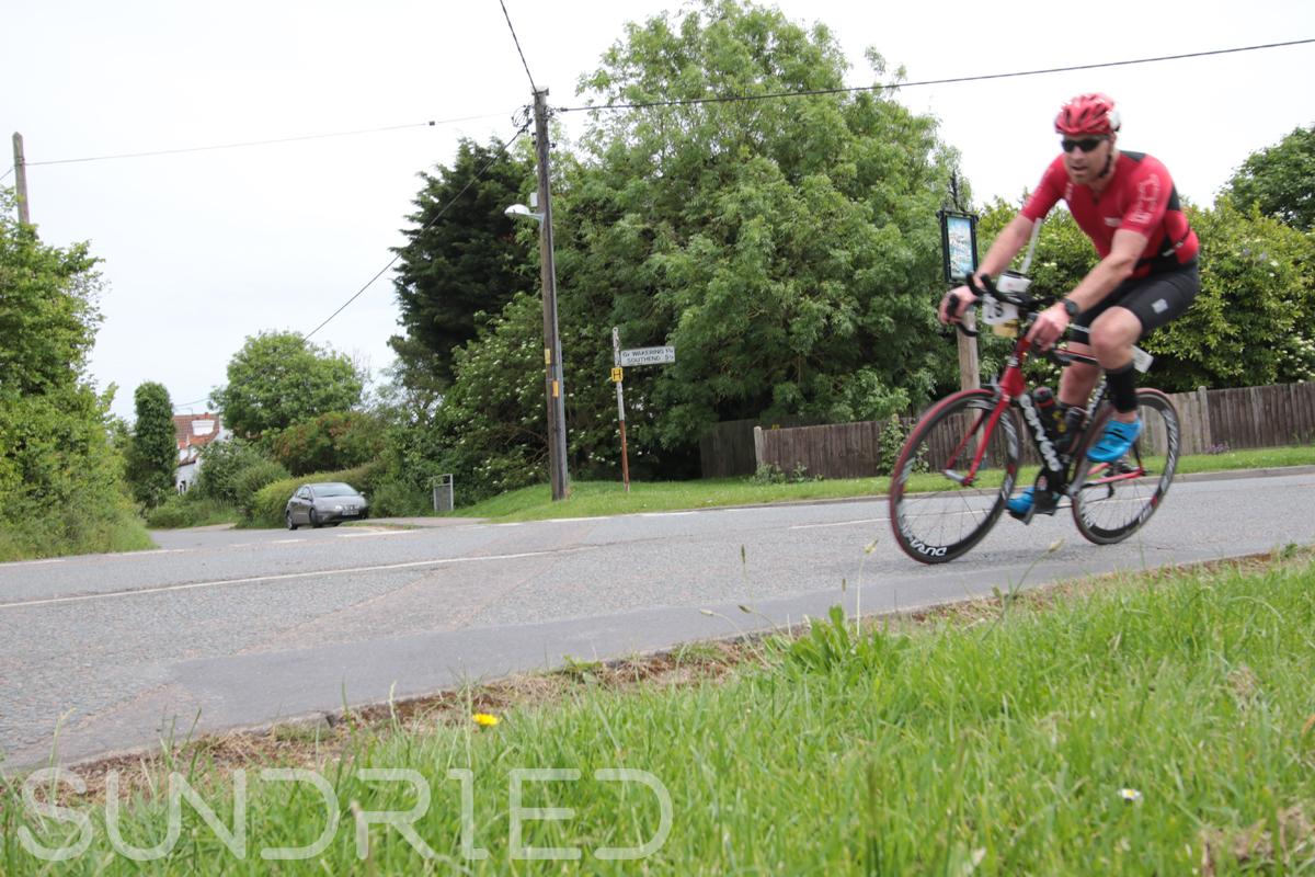 Southend-Triathlon-Cycle-Photos-in-Barling-Corner-017.jpg