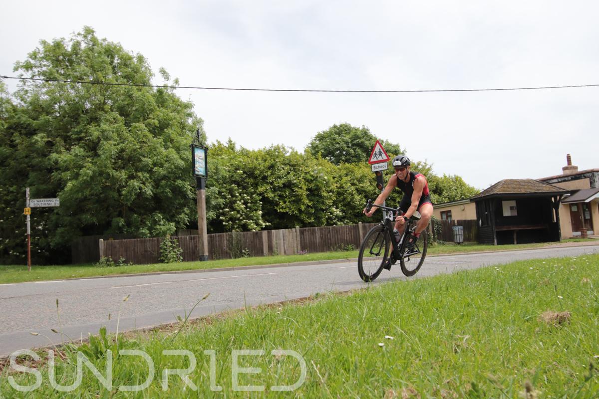 Southend-Triathlon-Cycle-Photos-in-Barling-Corner-037.jpg