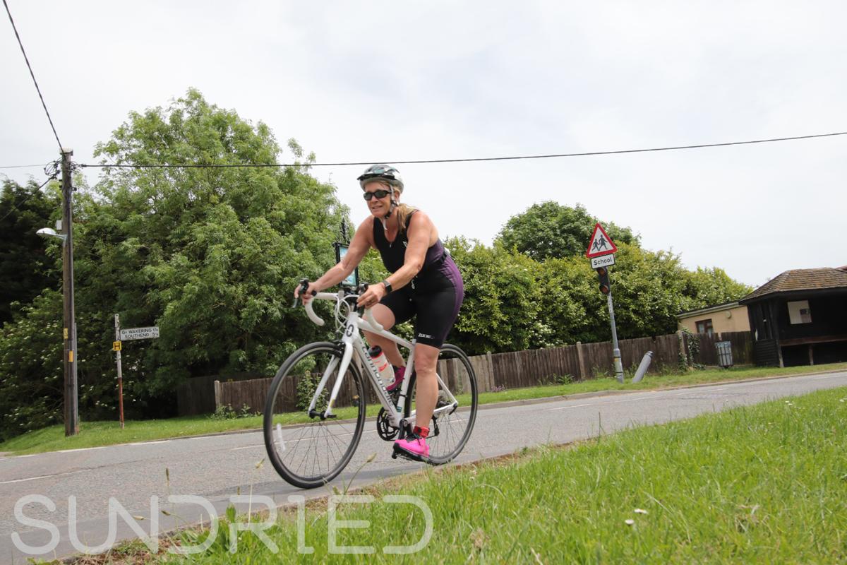 Southend-Triathlon-Cycle-Photos-in-Barling-Corner-039.jpg
