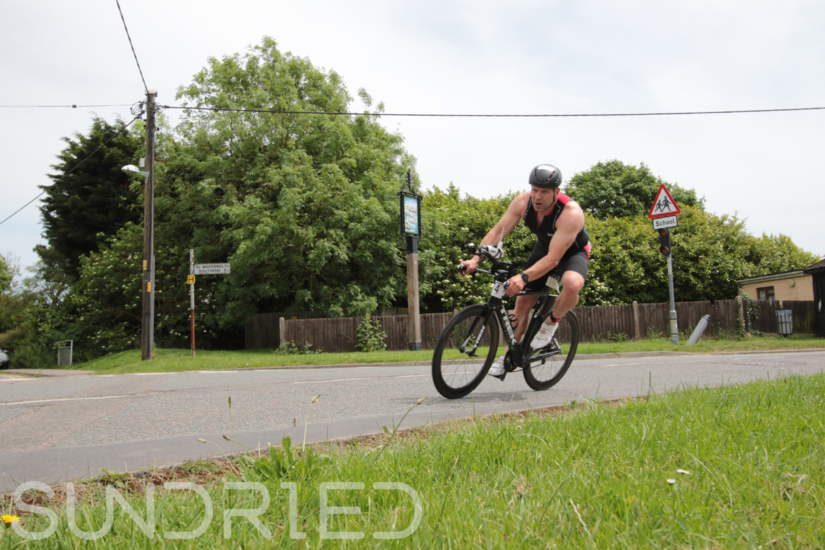 Southend-Triathlon-Cycle-Photos-in-Barling-Corner-038.jpg