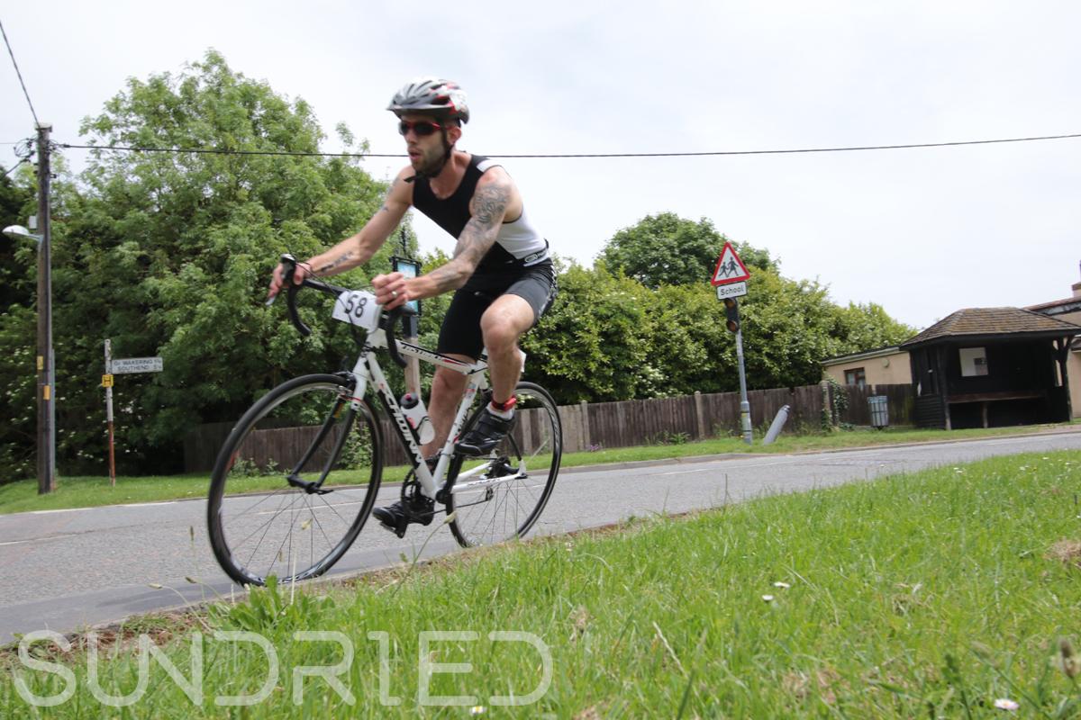 Southend-Triathlon-Cycle-Photos-in-Barling-Corner-040.jpg
