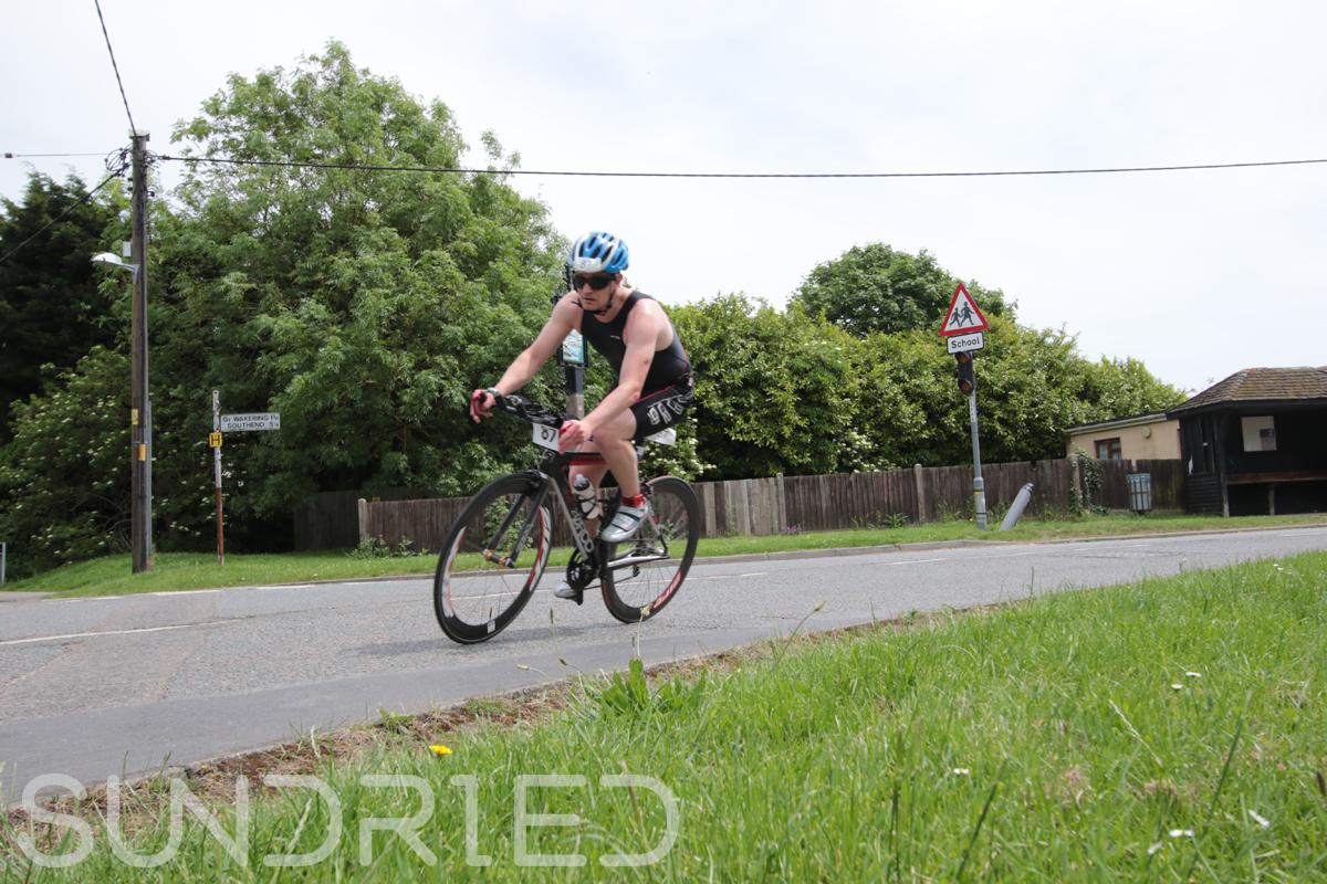 Southend-Triathlon-Cycle-Photos-in-Barling-Corner-048.jpg