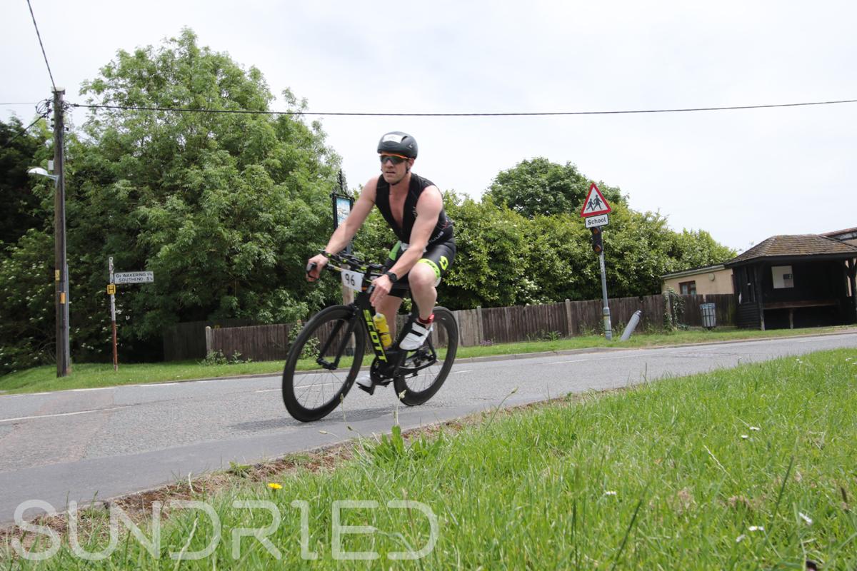 Southend-Triathlon-Cycle-Photos-in-Barling-Corner-049.jpg