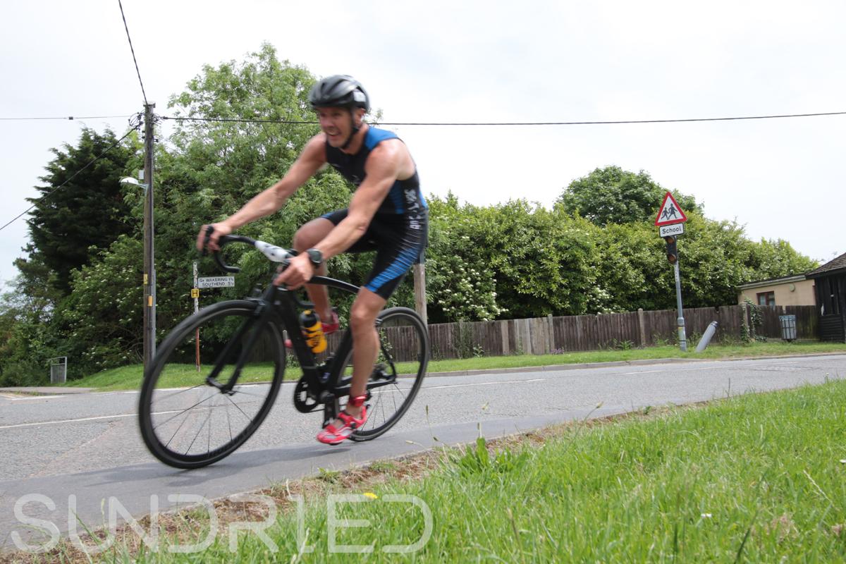 Southend-Triathlon-Cycle-Photos-in-Barling-Corner-054.jpg