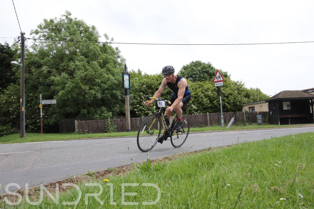 Southend-Triathlon-Cycle-Photos-in-Barling-Corner-057.jpg