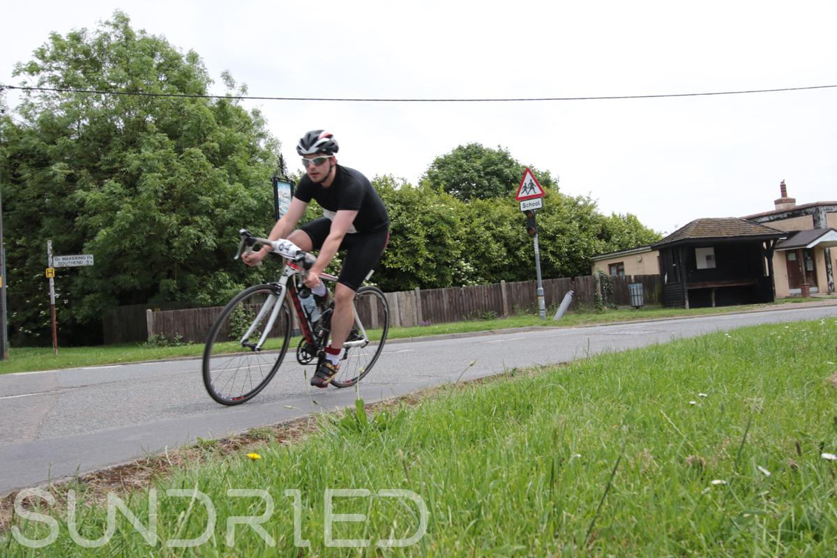 Southend-Triathlon-Cycle-Photos-in-Barling-Corner-070.jpg