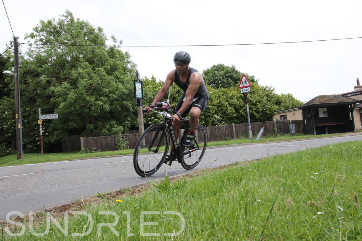 Southend-Triathlon-Cycle-Photos-in-Barling-Corner-071.jpg