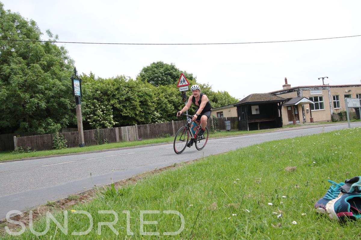 Southend-Triathlon-Cycle-Photos-in-Barling-Corner-075.jpg