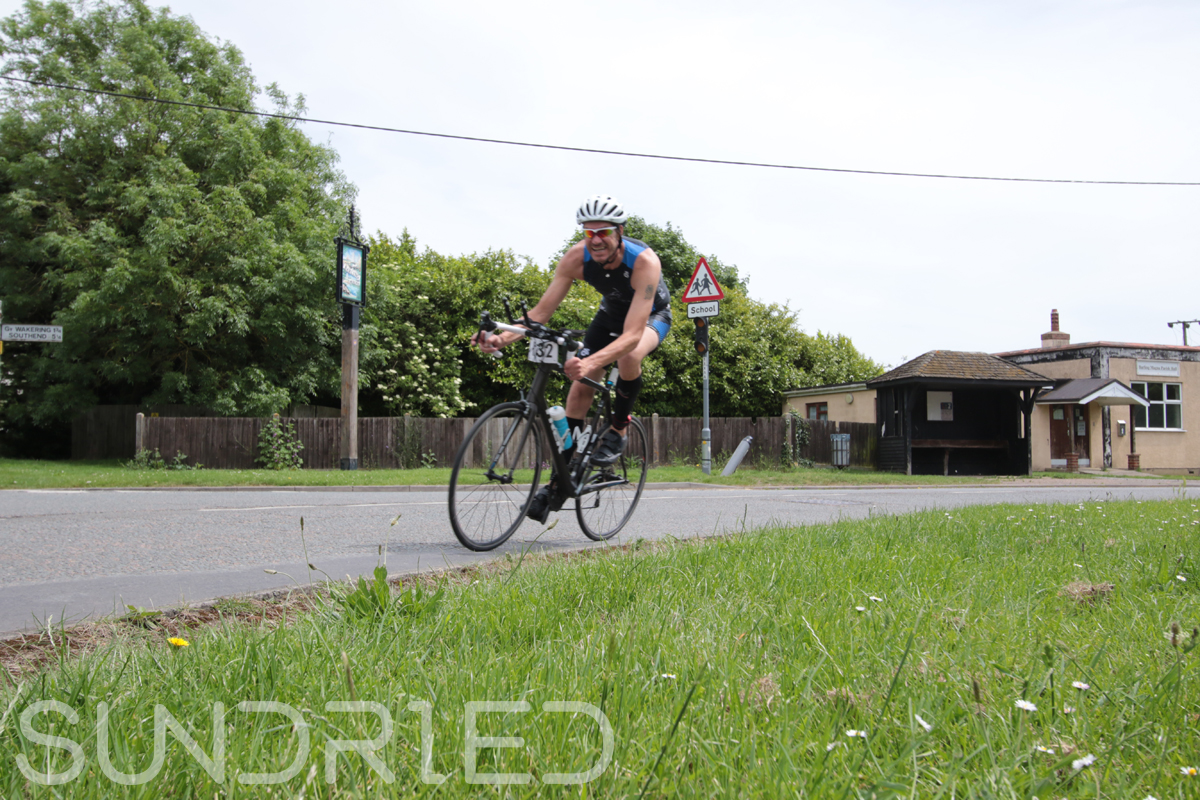 Southend-Triathlon-Cycle-Photos-in-Barling-Corner-084.jpg