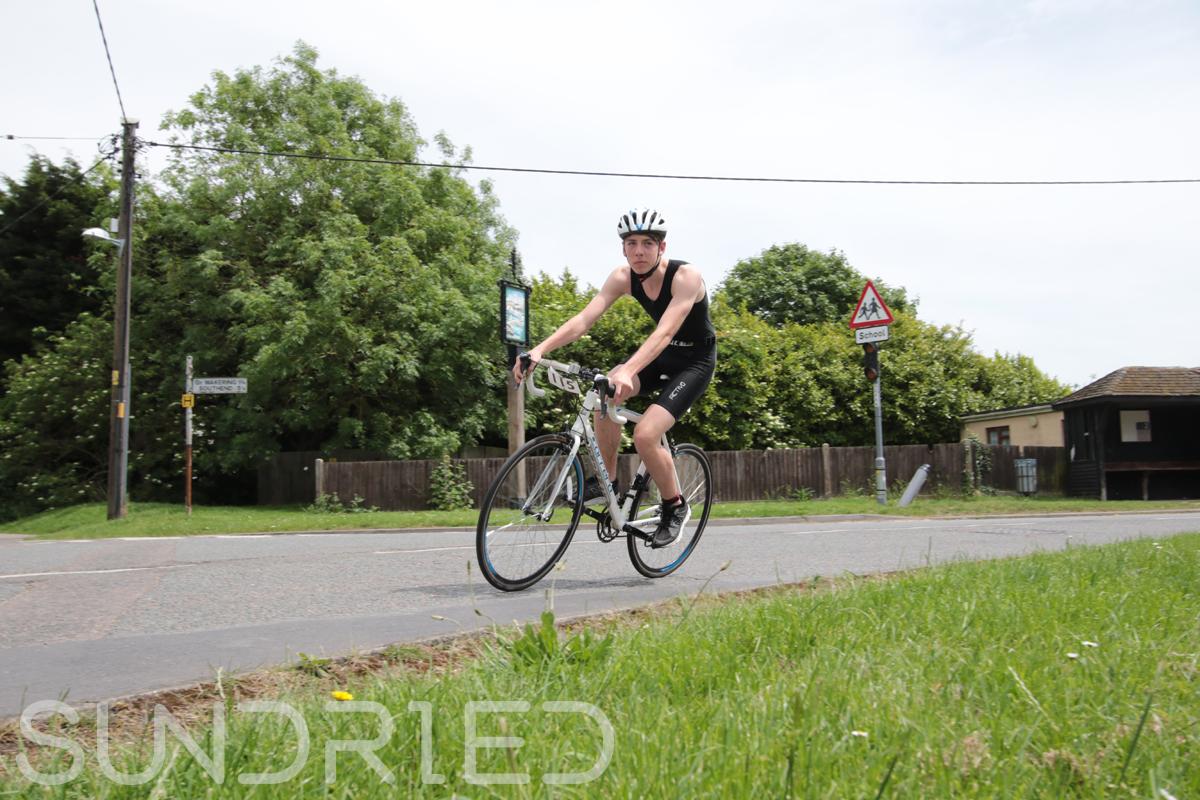 Southend-Triathlon-Cycle-Photos-in-Barling-Corner-100.jpg