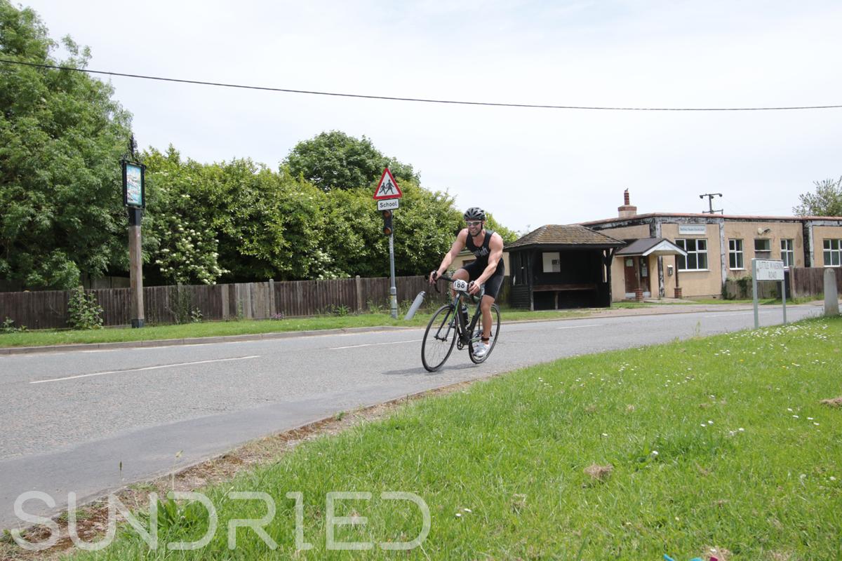 Southend-Triathlon-Cycle-Photos-in-Barling-Corner-110.jpg