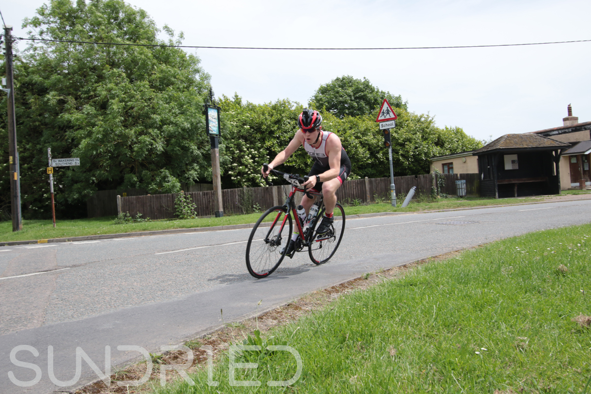 Southend-Triathlon-Cycle-Photos-in-Barling-Corner-115.jpg