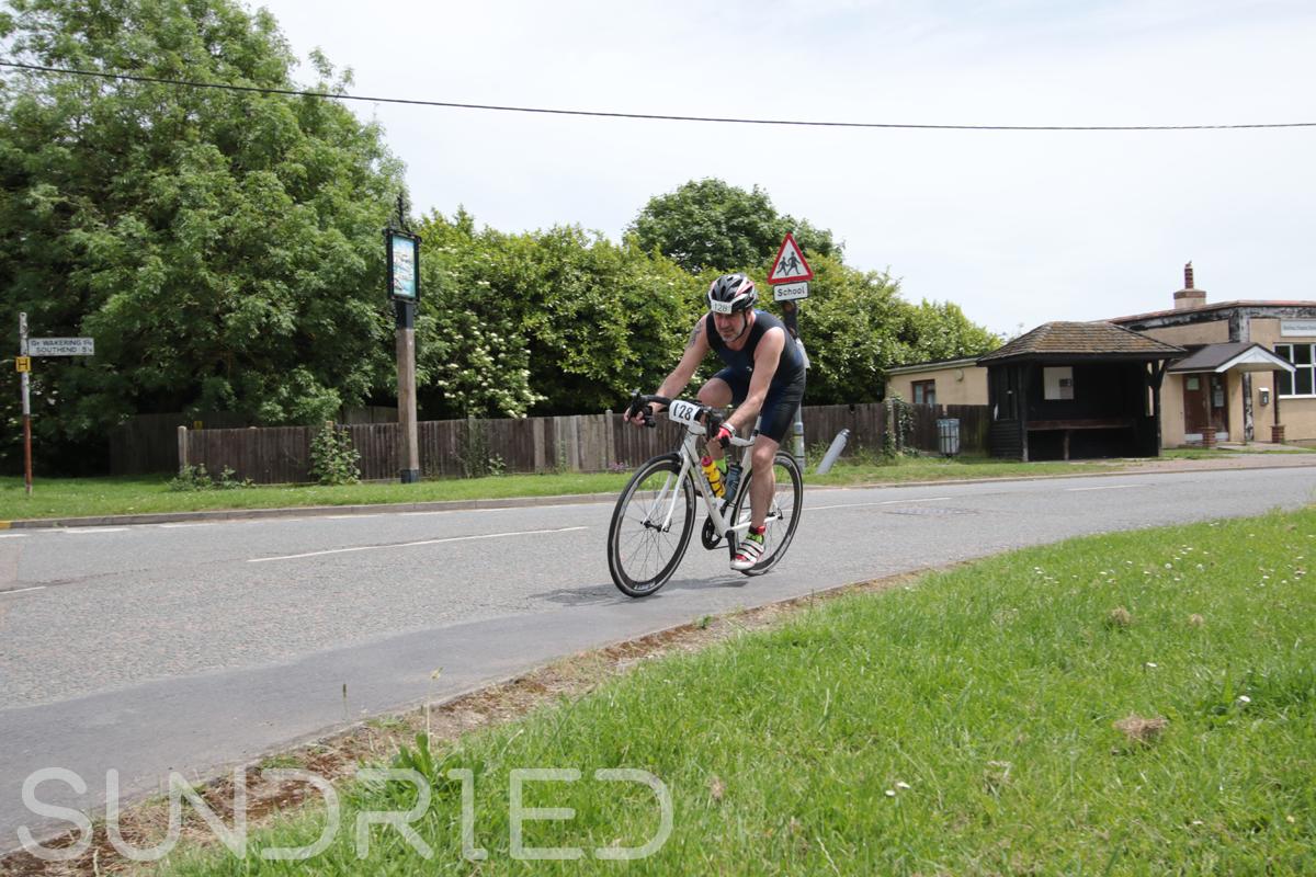 Southend-Triathlon-Cycle-Photos-in-Barling-Corner-117.jpg