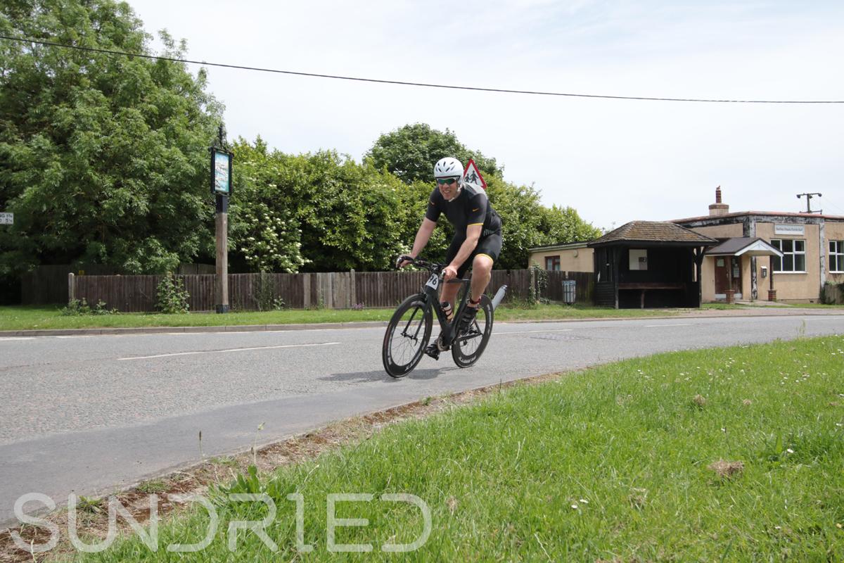 Southend-Triathlon-Cycle-Photos-in-Barling-Corner-120.jpg