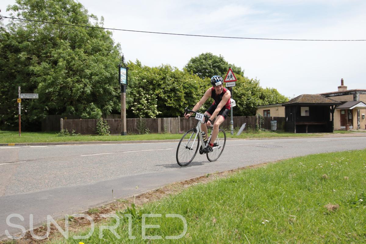 Southend-Triathlon-Cycle-Photos-in-Barling-Corner-146.jpg