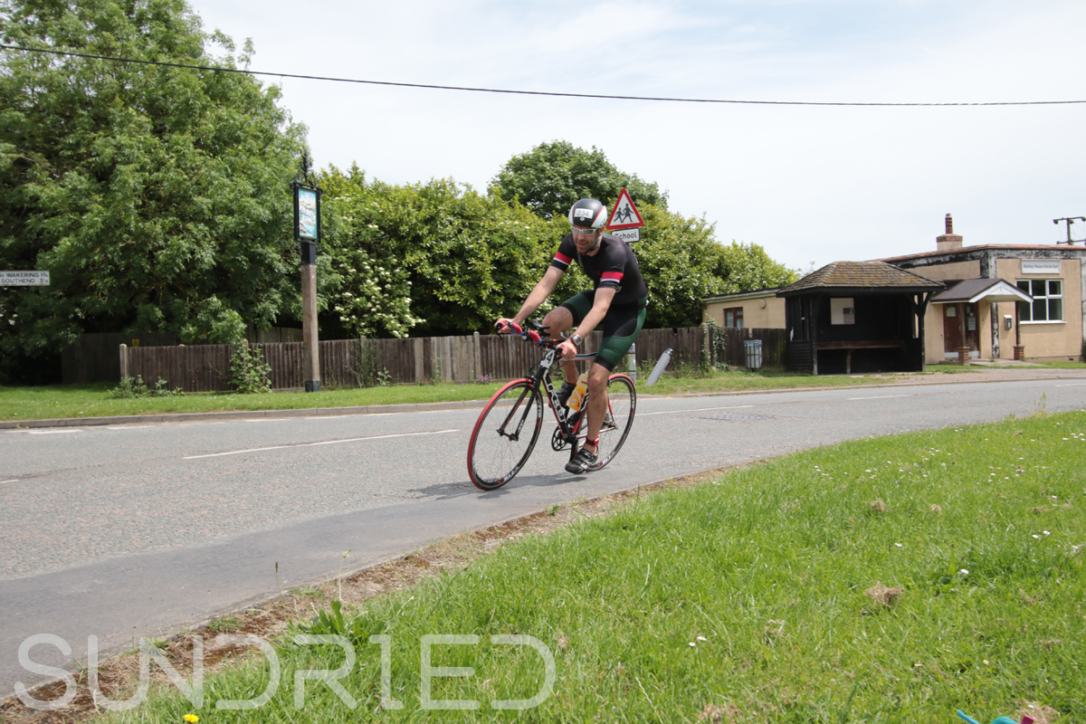 Southend-Triathlon-Cycle-Photos-in-Barling-Corner-148.jpg
