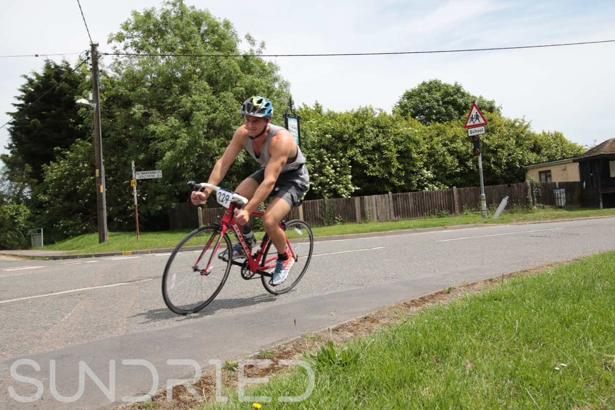 Southend-Triathlon-Cycle-Photos-in-Barling-Corner-150.jpg