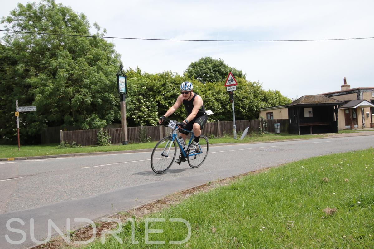 Southend-Triathlon-Cycle-Photos-in-Barling-Corner-182.jpg