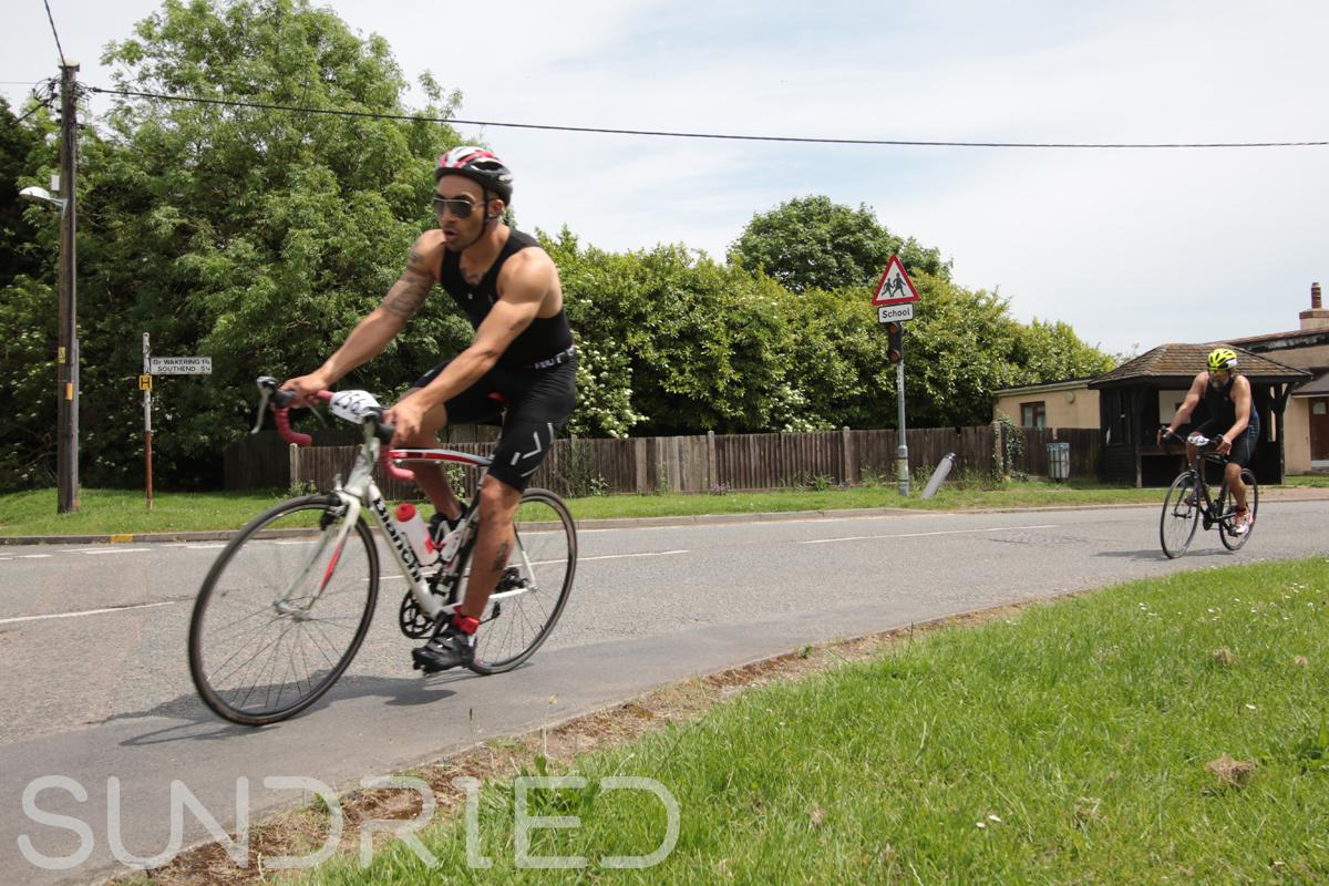 Southend-Triathlon-Cycle-Photos-in-Barling-Corner-200.jpg