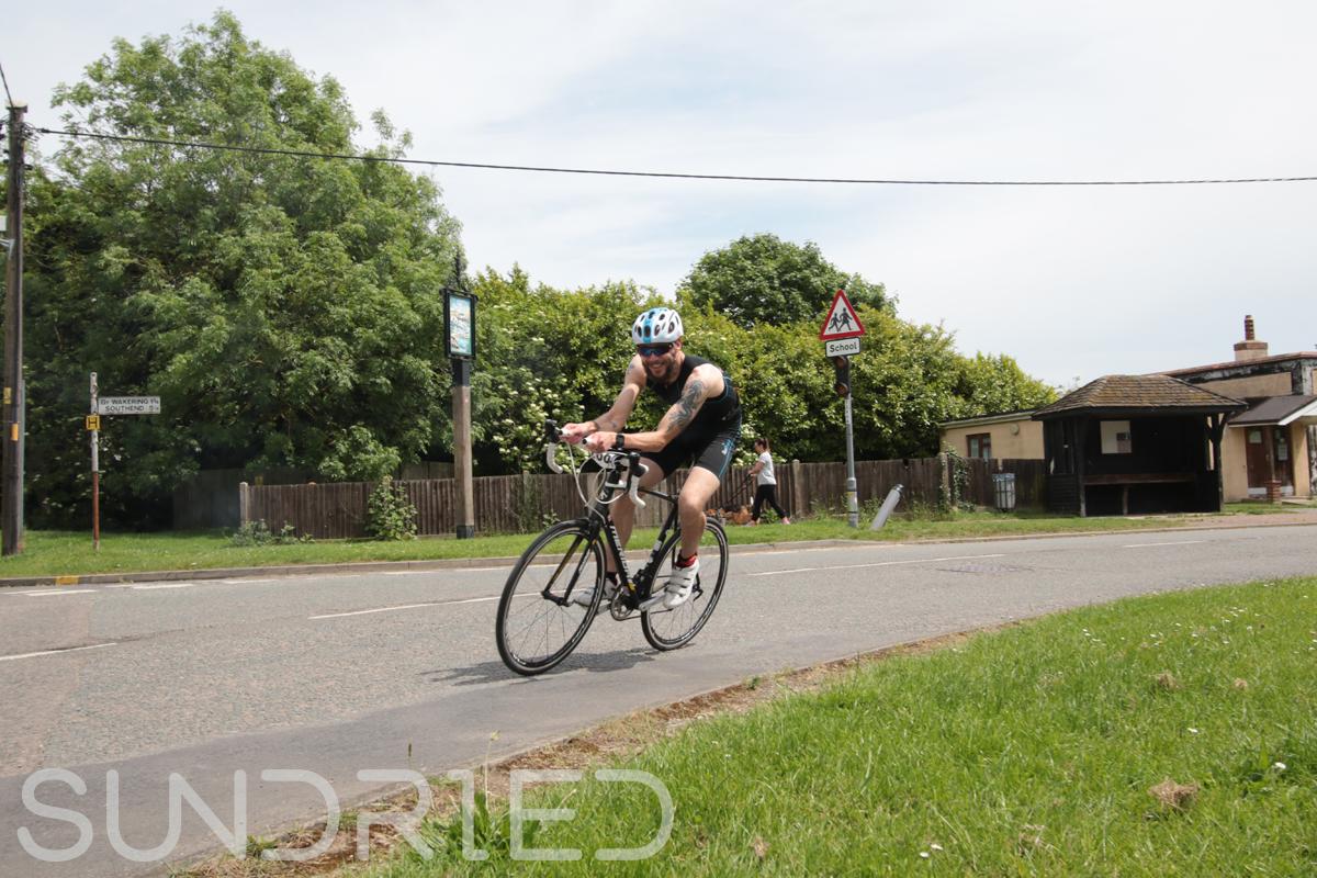 Southend-Triathlon-Cycle-Photos-in-Barling-Corner-208.jpg
