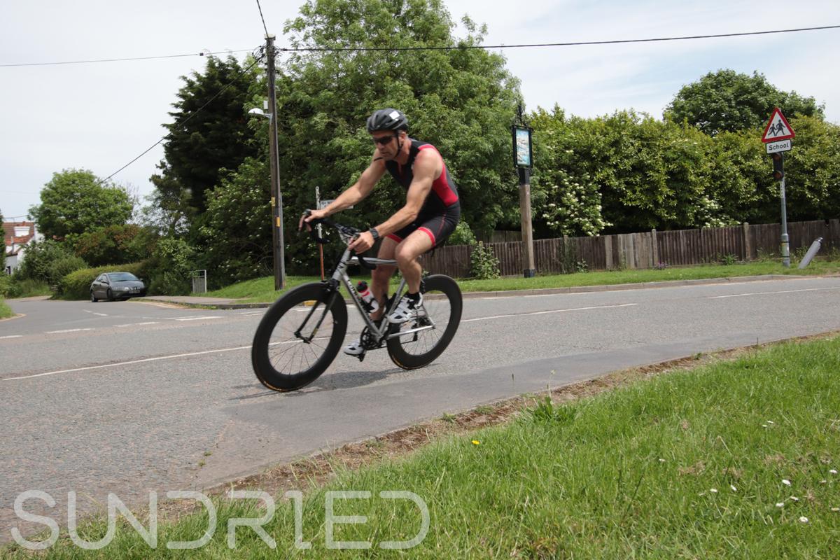 Southend-Triathlon-Cycle-Photos-in-Barling-Corner-213.jpg