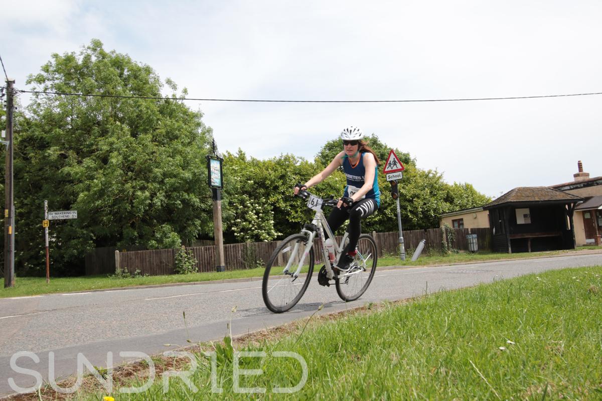 Southend-Triathlon-Cycle-Photos-in-Barling-Corner-216.jpg